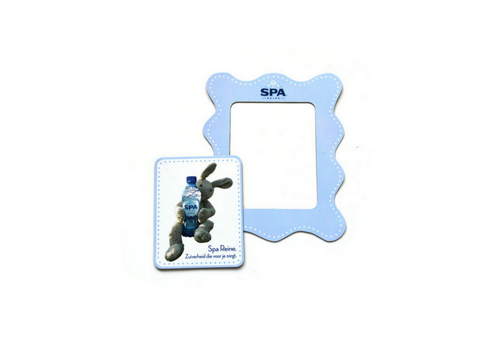 Magnetic photo picture frame